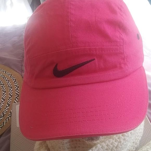 Nike Hat Sz small  $28+Free hat